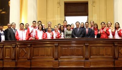 Team Perú que compitió en Toronto 2015 fue homenajeado por el Congreso de la República