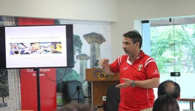 Psicólogo del Team Perú compartió experiencias sobre motivación en pro de Río 2016